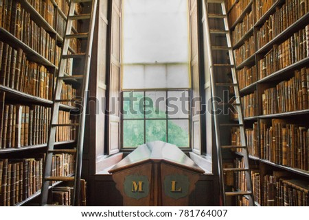 Trinity College Library #781764007