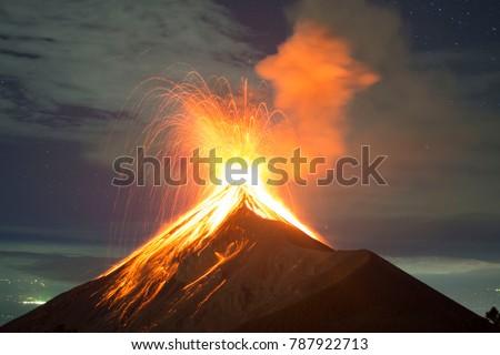 Volcano eruption at night - Volcano Fuego in Antigua, Guatemala #787922713