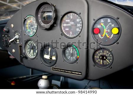 Airplane cockpit #98414990