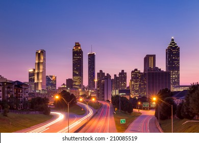 Image of the Atlanta skyline during twilight