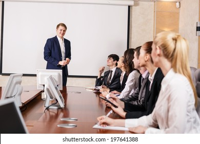 Image of businesswomen interacting at meeting