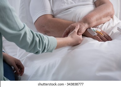 Image of cancer woman having support of her family