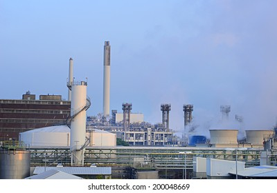 Image of a coal power plant in Germany in the early morning