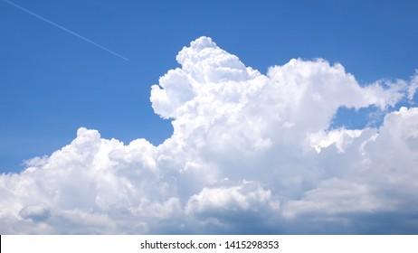 An image of a Cumulus congestus pileus cloud background