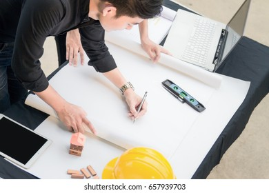 Image of engineer meeting for architectural project.