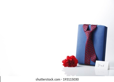 the image of Fathers Day Gift box