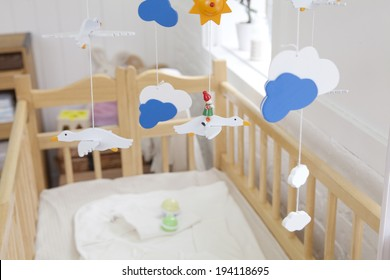 the image of giving birth and baby cot