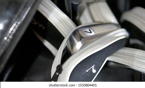 Image of golf iron 7 in golf cover