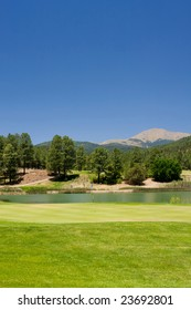 An image of a gorgeous golf course in Arizona