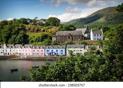 Image of the harbour of Portree in the Isle of Skie in Scotland.