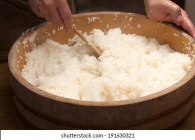 An image of Making sushi rice