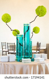 An image of a modern upscale table centerpiece
