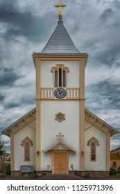An image of an old wooden church in the swedish town of Kungsbacka