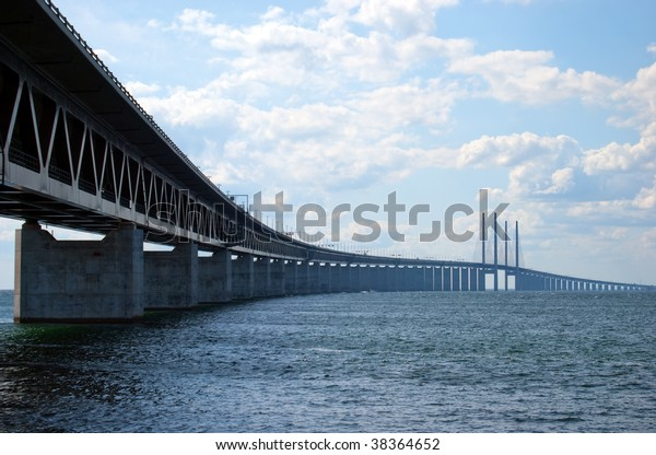 An image of the 'oresundsbron' the bridge that connects Sweden with Denmark and one of the longest of its kind in the world.