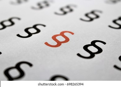 An image of a paragraph symbol - lawyer