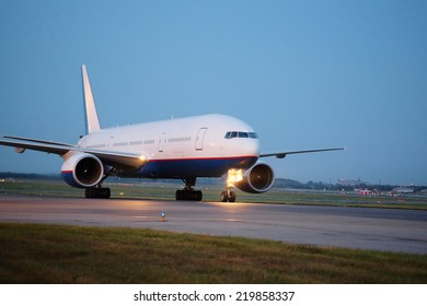 the image of a Passenger planes at the airport in the evening