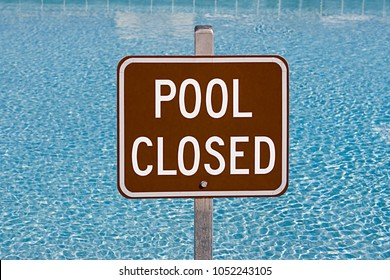 Image of Pool closed sign
