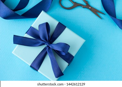 Image of refined blue present