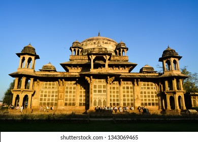 The image shows the side view of Tomb of Muhammad Ghaus in Gwalior, Madhya Pradesh, India. The image was captured in the evening.
