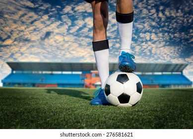 Image of sportsman playing in football