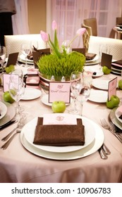 an image of Table setting at a luxury wedding reception
