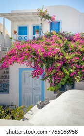 An image of a typical house at Oia Santorini Greece