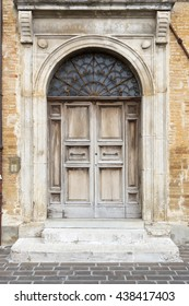 An image of a typical italian door