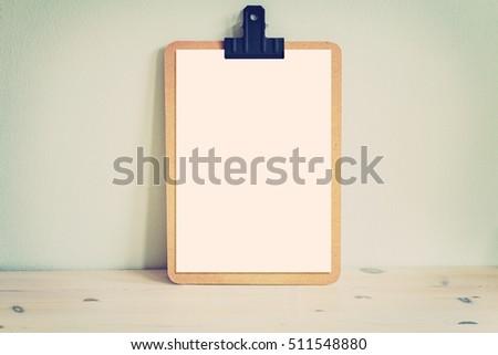 image wooden clipboard mock white blank の写真素材 今すぐ編集