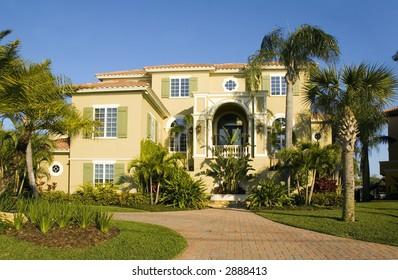 immense luxurious modern Mansion in central Florida