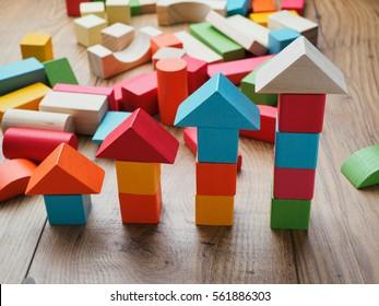 increasing arrow made by building blocks