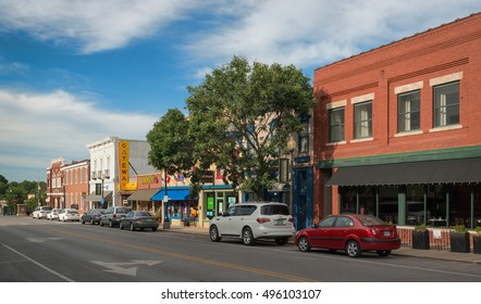 INDEPENDENCE, MISSOURI - AUGUST 14: Downtown Independence from the corner of Maple & Main on August 14, 2016 in Independence, Missouri