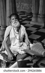 India, Rajasthan, Jaipur; 25 january 2007, old indian Sadhu in a Hindu Temple - EDITORIAL