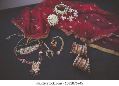 Indian bride's wedding jewellery and outfit