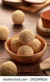 Indian Food Chaulai ke Ladoo - Sweet Balls essen während des Gebet Fasting Navratri etc