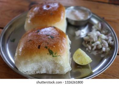 indian food misal pav