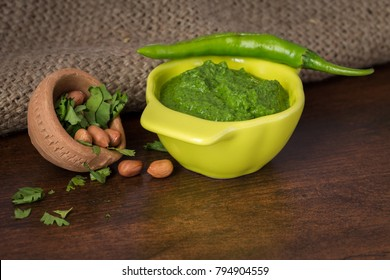 Indian green chutney for chaat recipes – a quick chutney that can be added to many chaat snacks like sev puri, ragda patties, bhel puri and samosa chole