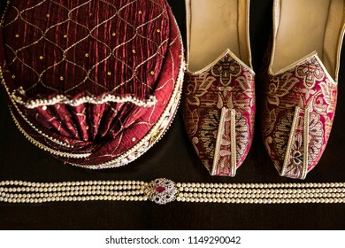 Indian groom's wedding Turban, Khussa shoes and man haar accessories