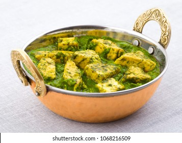 Indian Healthy Cuisine Palak Paneer Served With Tandoori Roti or Salad Made Up of Spinach And Cottage Cheese