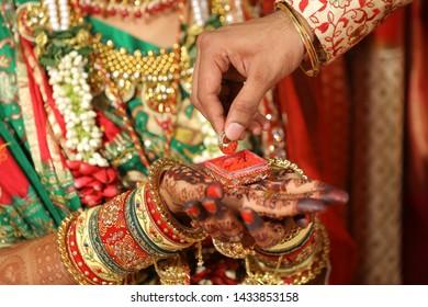 Indian Wedding Couple Images, Stock Photos & Vectors