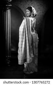 Indian lady performing Maharashtrian folk dance called lavani