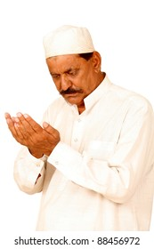 indian man hands with muslim prayer