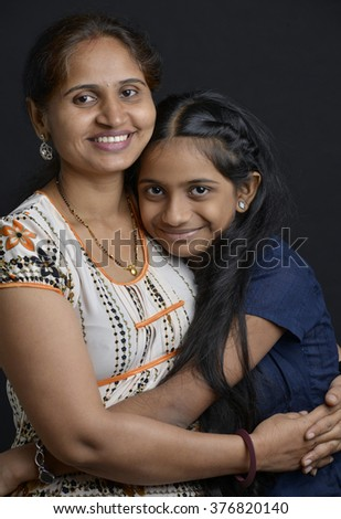 Indian Mother and daughter, Mumbai, Maharashtra, India, Southeast Asia