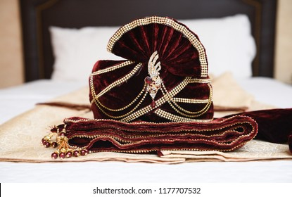 Indian / Pakistani Dulha Groom Royal Maroon Wedding safa In Velvet.