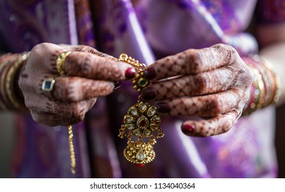 Indian Pakistani Wedding bride wearing  Jewelry