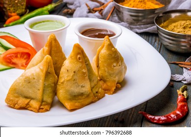 Indian samosa with vegetables