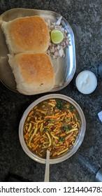 indian street food misal pav