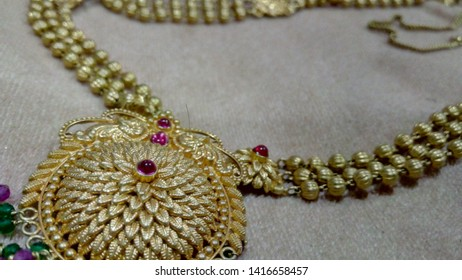 Indian traditional art gold jwellery!