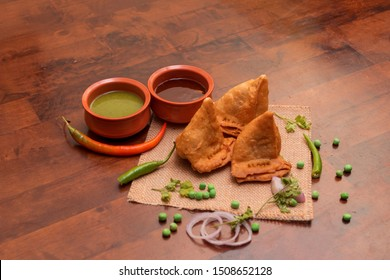 Indian Traditional chats aloo Samosa - Indian recipe