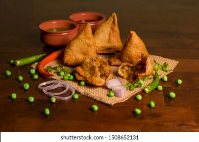 Indian Traditional chats aloo Samosa - Indian recipe
