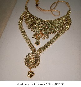 Indian Traditional Gold Jewellery ornaments necklace